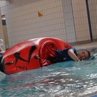 Rollen- und Kentertraining Im Schwimmbad